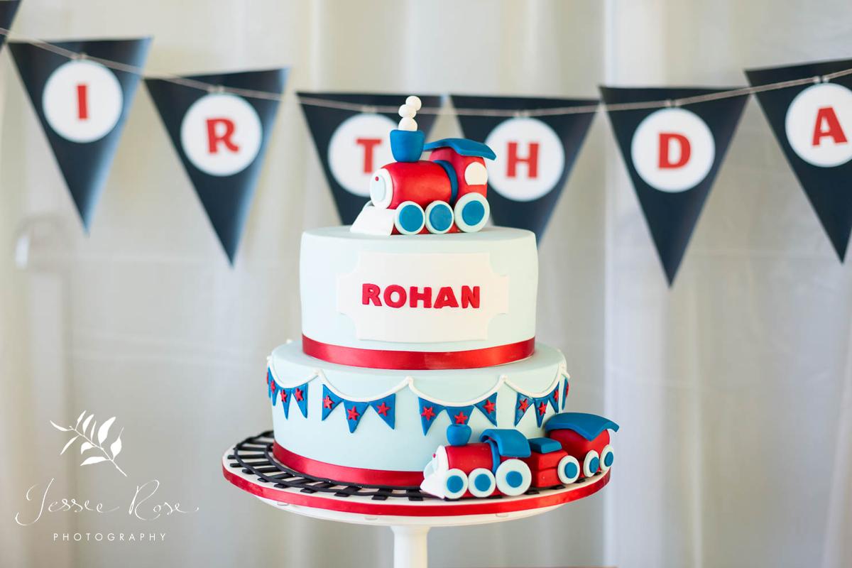 train-themed-birthday-cake
