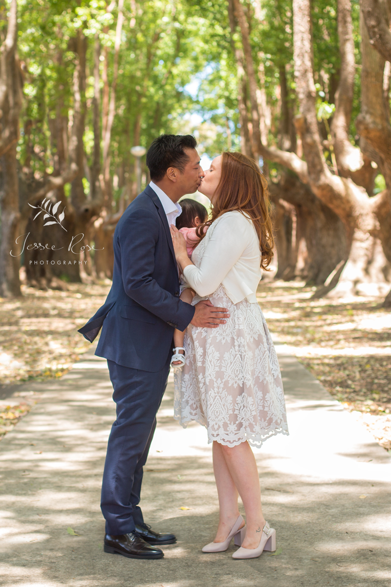 sydney-inner-west-wedding-kiss-petersham-park