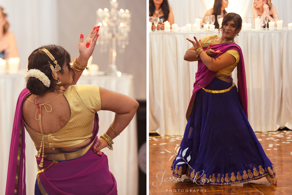 traditional-indian-dancers-wedding
