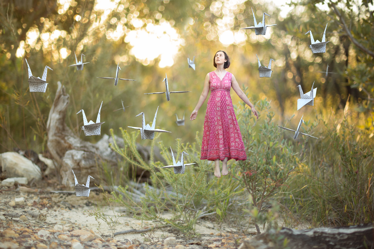 080-floating-paper-cranes-manipulation