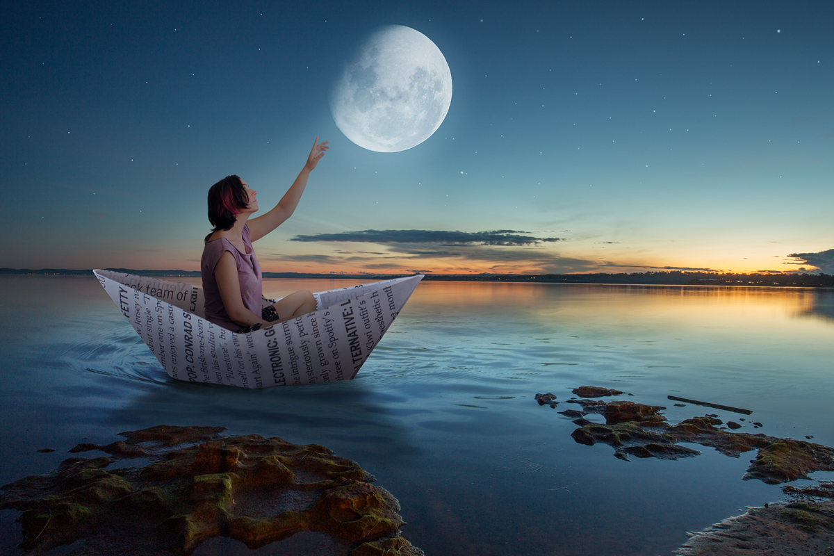 238-dreamscape-reach-for-the-moon