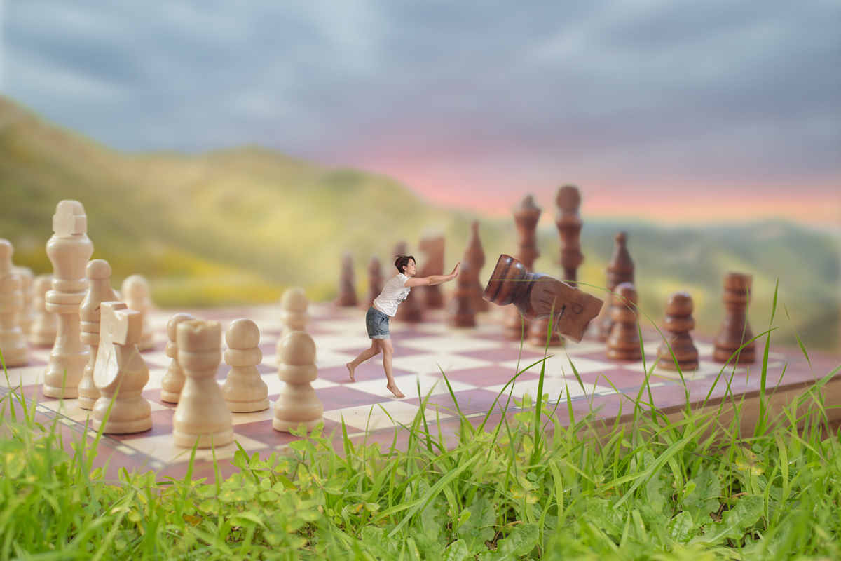 259-magical-chess-board-tiny-person