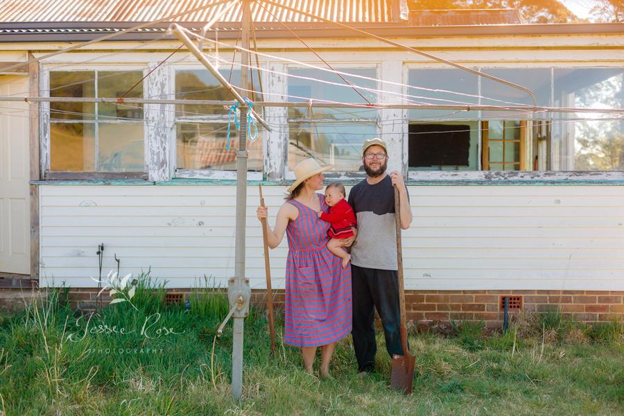 hills-hoist-australian-family-portrait