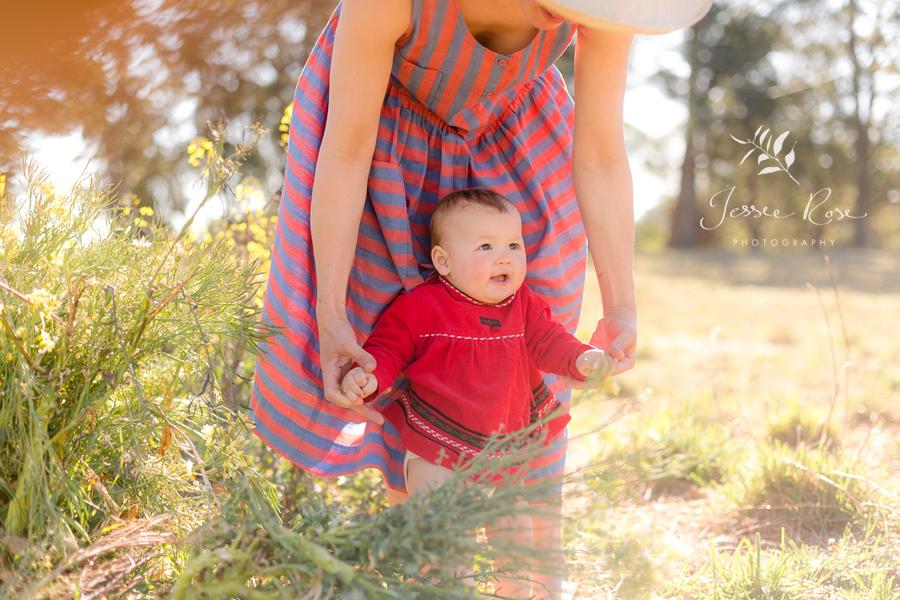 walking-baby-fields