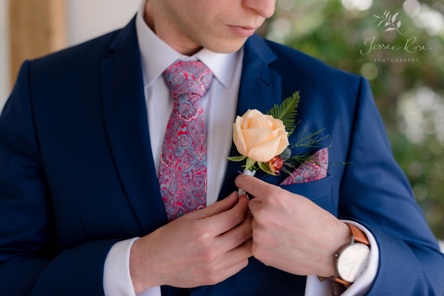 30-grooms-floral-boutonniere